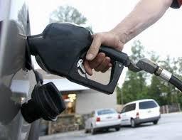 لجنة الأزمة بغريان تؤكد توفر الوقود بكل أنواعه داخل البلدية