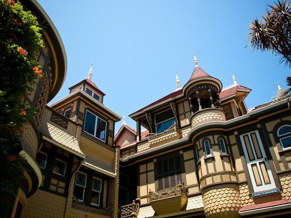 بيت الغموض وينتشستر | كاليفورنيا