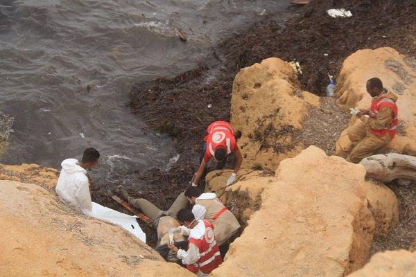 انتشال26 جثة من الشواطيء بواسطة الهلال الاحمر