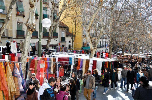 """مشهد من سوق """"إيل راسترو"""" الي تُنظّم الأحد"""