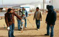 تحديد مواقع إنشاء وتركيب خزانات كيروسين الطيران في مستودع مرسى البريقة النفطي