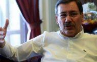 رئيس بلدية أنقرة يتهم قوى معادية لبلاده بالتسبب بهزات أرضية شمال تركيا