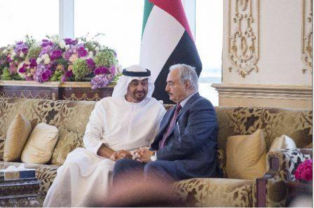 حفتر يستعرض مع ولي عهد أبوظبي مجالات التعاون الثنائي ومجمل القضايا الإقليمية