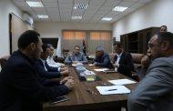 البلدي بنغازي يناقش خطة الشروع في بدء أعمال الطلاء وتخطيط الطرق والأرصفة