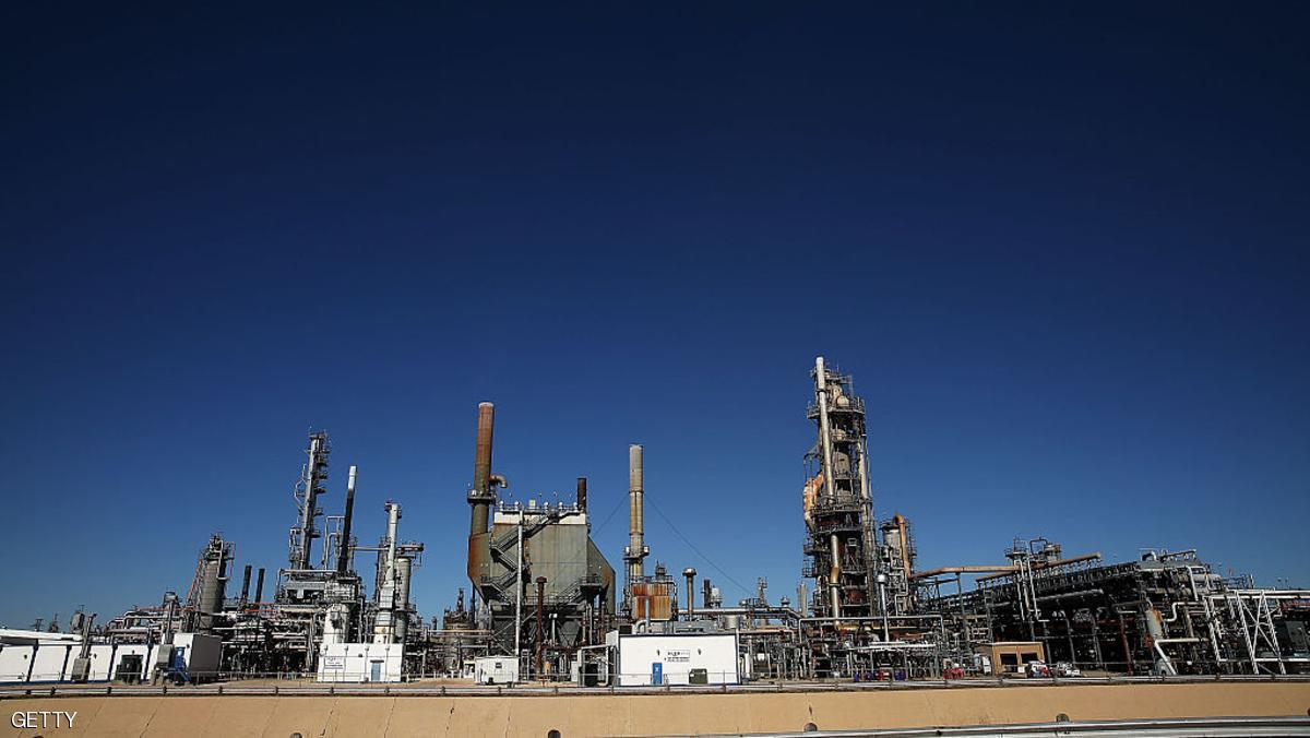 النفط يرتفع مع تراجع الحفر الأميركي
