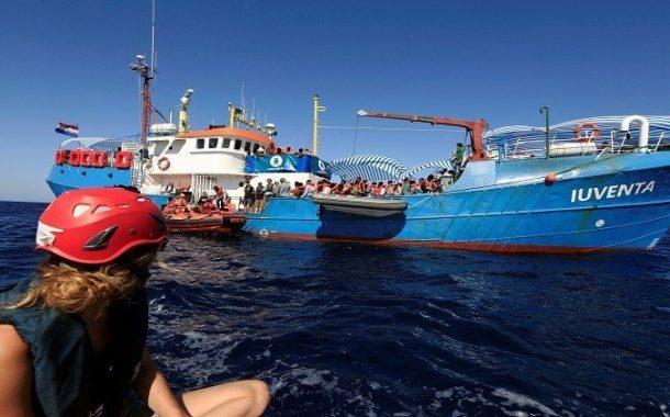 تورط سفينة إغاثة ألمانية مع شبكات تهريب المهاجرين في ليبيا