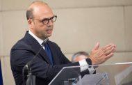 وزير الداخلية الإيطالي يدعو لدعم غسان سلامة